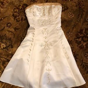 Great teenager dress ! Cream strapless dress